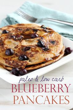 Breakfast just got better with these low carb & paleo blueberry pancakes. Naturally gluten free and no added sugar! Best of all, they're made with a blender! Pancakes And Bacon, Low Carb Pancakes, Low Carb Bread, Low Carb Keto, Healthy Blueberry Pancakes, Breakfast And Brunch, Low Carb Breakfast, Breakfast Recipes, Breakfast Ideas