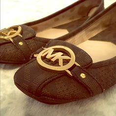 """Micheal Kors Flats Micheal Kors flats in the brown/black Micheal Kors """"MK"""" signature print! Barely worn, only used them for a few outfits when I was a student teacher. Make me an offer! MICHAEL Michael Kors Shoes Flats & Loafers"""