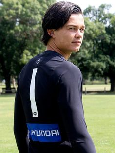Jack Silvagni takes on the famous number 1 jumper formerly worn by his father steve and grandfather sergio well done mate!!!!!!!