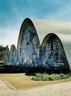 Belo Horizonte: probably one the best city in the world! Oscar Niemeyer, Sacred Architecture, Religious Architecture, Wonderful Places, Beautiful Places, Visit Brazil, Global Design, Travel Memories, Kirchen