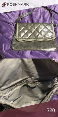 Sliver Crossbody Sliver Crossbody. Great condition. Used a few times. American Eagle Outfitters Bags Crossbody Bags