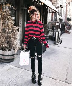 Winter grunge, outfits casual, punk outfits, hipster outfits, cute grunge o Grunge Winter Outfits, Grunge Party Outfit, Grunge Style Outfits, Grunge Fashion Winter, Fall Outfits, Casual Outfits, Party Outfits, Party Outfit Winter, Edgy School Outfits