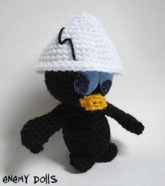 Calimero es un tierno personaje de dibujos animados al que creo que todos conocemos. Su representación en amigurumi está hecho con una lana resistente y suave, y con un relleno blandito.