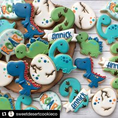 Isn't this just the cutest little dinosaur set, made for a 2 year birthday party. She is so talented. Boys First Birthday Party Ideas, Baby Boy 1st Birthday, 3rd Birthday Parties, Third Birthday, Dinasour Birthday, Dinosaur Birthday Party, Elmo Party, Mickey Party, Dinosaur Cookies