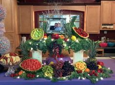 44 ideas fruit bowl display entertaining for 2019 New Fruit, Fruit Art, Fruit Decorations, Fruit Centerpieces, Fruit Arrangements, Altar Decorations, Fruit Tables, Fruit Trees In Containers, Veggie Display