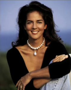 Kelly Klein Wearing the Famous Duchess of Windsor Pearl Necklace and Drop ~ BOUTIQUE CHIC ~