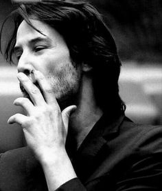 Keanu Reeves, a personal fav. He is cool, way cooler than most fake hollywood types, and genuine in a way that most people cannot even comprehend. Defines the art of the kewl. Keanu Reeves John Wick, Keanu Charles Reeves, Keanu Reeves Quotes, Keanu Reaves, Movies And Series, Poses References, My Sun And Stars, Dream Guy, Famous Faces