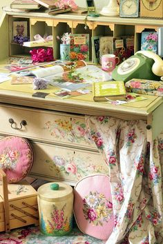vintage retro flowery details