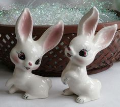 Pair Vintage Norcrest Happy Bunnies Rabbits A-320 ~ Excellent!