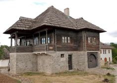 """Traditional houses in rural Romania (case traditionale romanesti) *** Upon arriving in her new home country in the young wife of Prince Carl of Romania noticed in her writings: """"Every R… Viking House, Hut House, Asian House, Rural House, Medieval Houses, Rustic Home Design, Small Buildings, Stone Houses, Traditional House"""