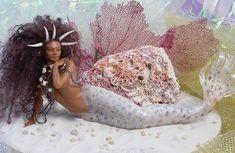 African_Sea_Maiden_mermaid_by_SutherlandArt on Black Science Fiction Society Website Siren Mermaid, Sea Siren, Mermaid Fairy, Black Mermaid, Mermaid Dolls, The Little Mermaid, Tattoo Mermaid, Fantasy Mermaids, Unicorns And Mermaids