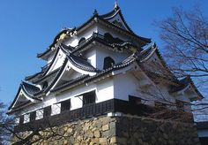 Hikone Castle is an original castle, i.e. it survived the post feudal era without undergoing destruction and reconstruction. Besides the castle's main keep, most of the inner moats, walls, guard houses and gates also remain intact. Furthermore, parts of the castle's palace buildings have been reconstructed, giving visitors a good impression of a relatively complete Japanese feudal castle.