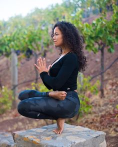 Yoga girls tips: Aerobic exercises can be viewed. Do complete workout and focus … Yoga girls tips: Aerobic exercises can be viewed. Do complete workout and focus on alternate days. Learn more Yoga lifestyle tips here. Yoga Fitness, Yoga Inspiration, Pilates, Body Women, Alo Yoga, Photo Yoga, Yoga Posen, Yoga Photography, Teenage Photography