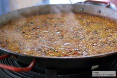 Trucos de cocina: cómo tostar el azafrán para nuestras recetas de arroces y paellas Tostadas, Quinoa, Seafood, Delish, Main Dishes, Brunch, Healthy Eating, Rice, Vegetarian
