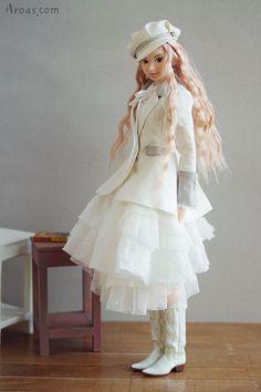 Momoko doll