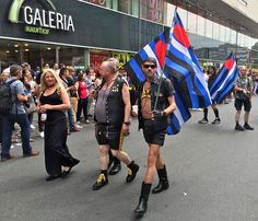 CSD FRANKFURT 2016 Diversity rocks - www.UnitedColors.de - Christopher Street Day in allen Farben... Hier ein paar Impressionen! YouTube: www.YouTube.com/jschreiter  --- Visionary, Location Scout, Photography | © Jürgen R. Schreiter, 2016 --- www.JuergenSchreiter.com www.Facebook.com/JRSchreiter  --- #csd #christopherstreetday #csdfrankfurt #csd2016 #gay #lesbian #homophob #schwul #lesbisch #parade #umzug #diversity #love #liebegegenrechts #spd #cdu #fdp #diegrünen #gayday #adler #frankfurt…