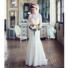 Romantische winter Bohemian Boho vintage trouwjurk van kant op maat. Prachtige bruidsjurk gemaakt van kant met Sweetheart halslijn. Deze bruidsjurk kun je in ons atelier laten maken in alle maten en kleuren.