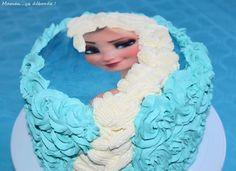 Gâteau Reine des Neiges - Pinata Cake