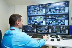 Na área de sistemas de monitoramento e segurança eletrônica, CFTV é a sigla utilizada para Circuito Fechado de TV, que teve origem na sigla em inglês para o mesmo serviço, o CCTV (Closed Circuit Television).  Mas na prática o que é CFTV? O Circuito Fechado de TV nada mais é do que um sistema de monitoramento interno, realizado através de câmeras distribuidas e conectadas a um sistema central, que disponibiliza as imagens através de monitores assim como realiza a gravação desses registros.