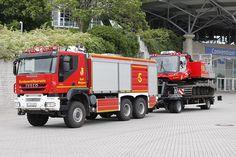 Fire Equipment, Heavy Equipment, Heavy Duty Trucks, Big Trucks, Fire Dept, Fire Department, Ambulance, Cool Fire, Bug Out Vehicle
