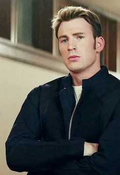 Chris Evans - right over left Steve Rogers, Steven Grant Rogers, Capitan America Chris Evans, Chris Evans Captain America, Capt America, Logan Lerman, Amanda Seyfried, Captain Rogers, Scarlet
