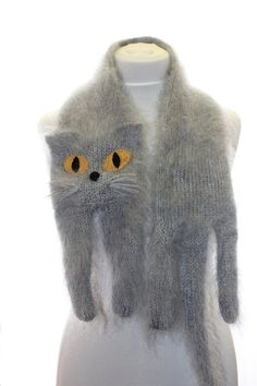 Knitted British Blue Cat Scarf via Etsy. Blue Cats, Grey Cats, Chat British Shorthair, Crochet Scarves, Knit Crochet, Knitting Projects, Knitting Patterns, British Blue Cat, Cat Scarf