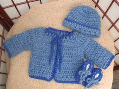 free knitting pattern: boys baby clothes models Baby Boy Knitting Patterns Free, Baby Cardigan Knitting Pattern, Baby Patterns, Free Knitting, Knit Cardigan, Knit Baby Sweaters, Baby Knits, Crochet Bebe, Baby Vest