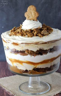 Gingerbread Cheesecake Trifle - layers of gingerbread, no bake gingerbread cheesecake, caramel and whipped cream!