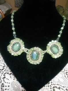 collar con agatas facetadas por Monica Galvan para Sareni Hadmade
