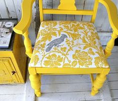 Paint furniture with latex paint. There are 10 really good reasons to use latex paint. Diy Pallet Furniture, Funky Furniture, Paint Furniture, Repurposed Furniture, Furniture Projects, Furniture Making, Home Furniture, Diy Projects, Refurbished Furniture