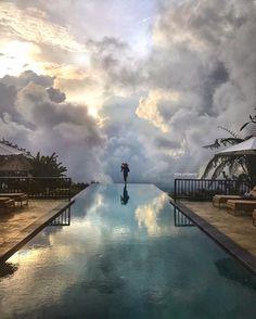 infinity pool at Munduk moding Plantation #bali // Photography by Dotzsoh (@dotzsoh) • Instagram