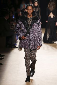 Roberto Cavalli Fall 2018 Menswear Fashion Show Collection