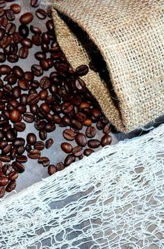 Maska na unavené oči z kávového lógru | Žijeme homemade Homemade, Health, Coffee, Fitness, Kaffee, Home Made, Health Care, Cup Of Coffee, Hand Made