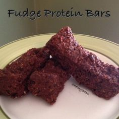 Ripped Recipes - No Bake Fudge Protein Bars - Ooey gooey chocolate fudge. These protein bars are amazing. Gluten free and full of fibre so they satisfy you - I promise!