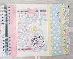 Heli Papeles ♥: Libro de firmas Diy Mini Album, Mini Album Tutorial, Mini Photo Albums, Mini Albums, Baby Scrapbook, Scrapbook Albums, Arts And Crafts, Paper Crafts, Baby Album