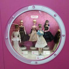 As meninas gostam de bonecas, os meninos gostam de Barbie  #Barbie #boneca #doll #menina #amava #rosa #pink #CorDeRosa #EuqueriaTodas #brincadeira #infância #vbatalha