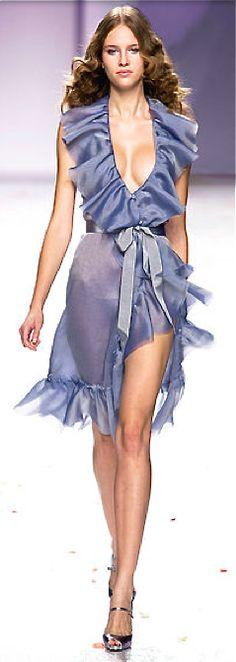 Luisa Beccaria - Ready-to-Wear - Spring-summer *Dress Up*. colour & the femininity! Luisa Beccaria, Love Fashion, Runway Fashion, High Fashion, Womens Fashion, Fashion Design, Couture Fashion, Evening Dresses, Summer Dresses
