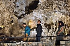 Sasha Obama, US President Barack Obama, US first lady Michelle Obama and Malia Obama tour Carlsbad Caverns National Park in Carlsbad, New Mexico in 2016.