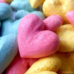 Разноцветное безе (меренги) на День св. Валентина ❤ Очень простой, вкусный и яркий десерт на День всех влюбленных или просто к чаю :) Пошаговый фото рецепт. Meringue cookies for Valentine's Day! Step by step photo recipe.