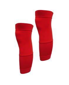 Las perneras pirata térmicas son perfectas para la práctica de ciclismo en invierno. Están fabricadas con un ligero tejido bielástico que se adapta perfectamente a la forma de tus piernas. De tejido interior afelpado que atrapa el aire caliente en contacto con la piel para crear una barrera de calor contra el frío proporcionando una agradable sensación de calidez. Acabadas con corte por láser con micro puntos internos de silicona para una mayor sujeción.