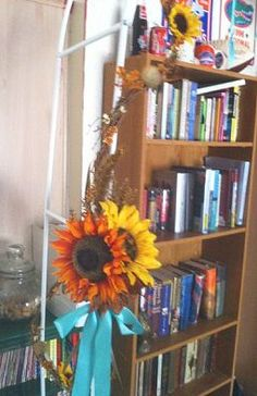 Sunflower arch side details
