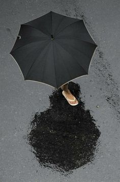 Black umbrella in the rain. Black Umbrella, Rain Umbrella, Under My Umbrella, I Love Rain, No Rain, Walking In The Rain, Singing In The Rain, Arte Black, Foto Poster