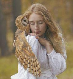 wikitree   진짜 동물과 찍은 '미녀와 야수' 사진 18장