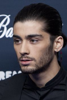 How To Support A Distressed Teen Through Zayn Malik's Decision To Leave One Direction