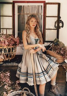 Buy now the new Lena Hoschek Tradition collection at the online shop! Medieval Dress, Vintage Dresses, Vintage Outfits, Vintage Fashion, Folk Fashion, Dirndl Dress, Dress Up, Mode Geek, Mode Vintage