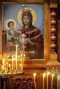 Prizivajte sa verom Majku Božiju i svetitelje i molite im se. Oni čuju naše molitve i znaju čak i naše misli.