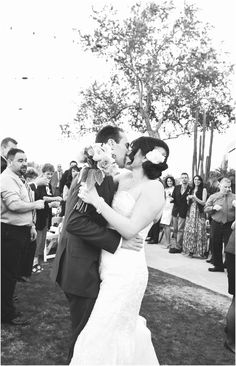 Stunning navy vintage inspired outdoor Copperwynd Wedding in Phoenix, Arizona
