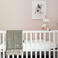 "10 Me gusta, 3 comentarios - Peruyka :: alpaca knits (@peruyka) en Instagram: ""It's all about details 🐭. . #peruyka #alpacawool #blanket @thelittleclub @kreativitum #details…"" Kids Wall Decor, Alpaca Wool, Crib, Knits, Blanket, Knitting, Bed, Furniture, Instagram"