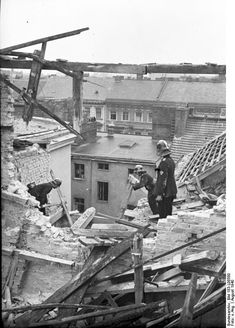 Sunday 25 August 1940 Berlin bomb damage after the first RAF raid, August 1940 (Ang, Federal Archive). European Air Operations : The. Historia Universal, Air Raid, Total War, The Third Reich, Battle Of Britain, Lest We Forget, American War, Months In A Year, World War Ii