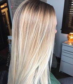 I love the color - Haare - Honey Blond, Blonde Hair Looks, Hair Color And Cut, Haircut And Color, Spring Hairstyles, Pinterest Hair, Blonde Balayage, Blonde Brunette, Hair Highlights
